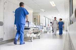 Gestora de hospital é obrigada a pagar salário em dia