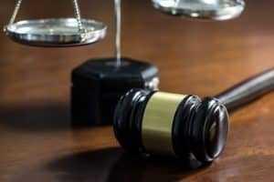 STF julga inconstitucionais leis estaduais por invasão de competência da União