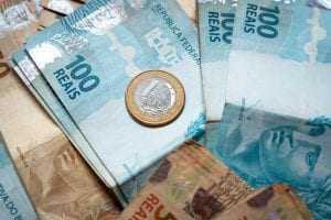 Donos de imóvel são indenizados em R$ 10 mil por irregularidades de imobiliária | Juristas