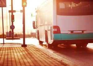 Empresas de ônibus devem manter serviço essencial de transporte público funcionando | Juristas