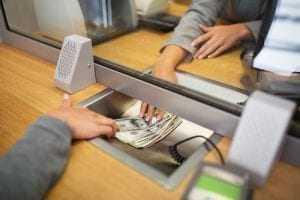 Desconto em conta de empréstimo firmado espontaneamente com o banco não pode ser limitado pela Justiça   Juristas