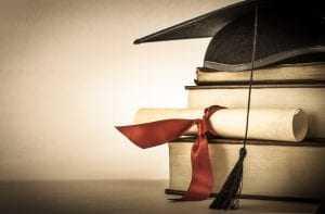 Faculdade deve indenizar aluno por demorar mais de um ano para entregar diploma 1