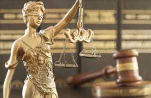 Acusado de feminicídio no pátio do hospital regional vai a júri nesta terça | Juristas