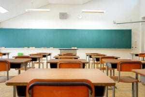 Estudante com deficiência agredido por inspetora de escola deverá ser indenizado | Juristas