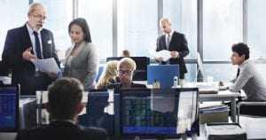 Empregado consegue promoção negada por norma publicada após sua contratação | Juristas