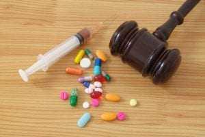 Adolescente tem garantido na Justiça direito de receber tratamento para esquizofrenia | Juristas
