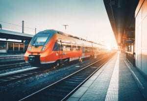 Mulher que perdeu companheiro atropelado por trem deve receber R$ 40 mil de indenização e pensão 1