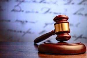 Confirmada condenação de réus que tentaram obter vantagem ilícita em processo trabalhista   Juristas