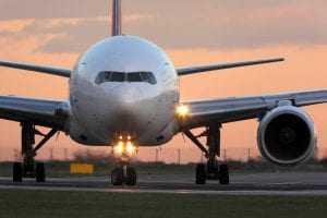 DANOS MORAIS | Empresas aéreas são condenadas a indenizar passageiros | Juristas