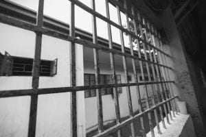 Condenado homem que entrou com carregadores de celular em penitenciária | Juristas