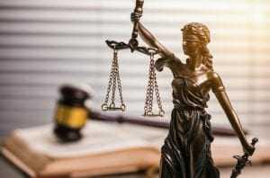 Conhecimento prévio de herdeiro não citado em testamento impede anulação | Juristas