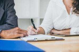 Estelionatários que faziam empréstimos em nome de idosos continuarão presos | Juristas