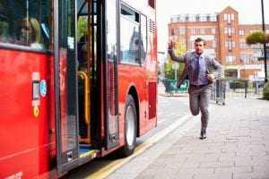 Justiça proíbe limite de tempo em catraca de ônibus na capital amazonense   Juristas