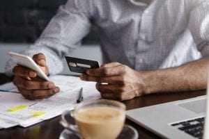 Consumidor que demorou em comunicar extravio de cartão de crédito deve arcar com os prejuízos | Juristas