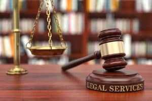 Exame positivo de gravidez no fim do aviso-prévio garante estabilidade a operadora de caixa   Juristas