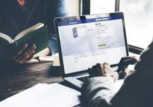 Marco Civil da Internet: Justiça nega exclusão de página no Facebook por supostas ofensas anônimas a político local | Juristas