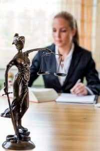 Mantida condenação de mulher por ofender advogada durante audiência de conciliação | Juristas