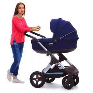 Fabricante deve indenizar mãe por carrinho de bebê que dava choque 1