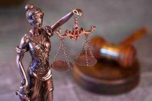 Papel timbrado de sindicato comprovou assistência sindical prestada a empregada   Juristas