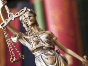 Acusado de clonagem de veículo utilizado em assaltos na capital continuará preso | Juristas