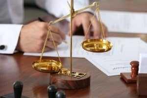 Reconhecida união estável, mulher receberá pensão após morte de seu companheiro 1