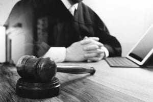 2ª Turma rejeita aplicação da nova lei de terceirização aos casos anteriores à sua vigência | Juristas