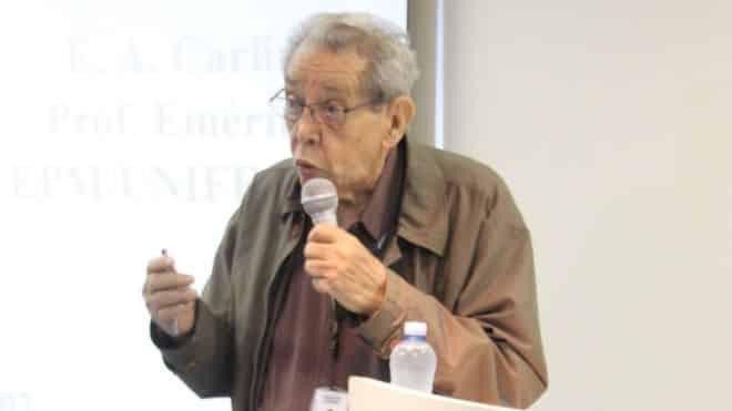 Professor emérito da Unifesp é indiciado por apologia a maconha