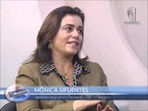 Mônica Sifuentes