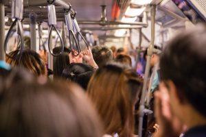 Empresa de transporte tem responsabilidade objetiva em assédio sexual de passageiro