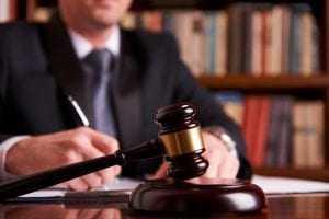 conduta de juiz e desembargador