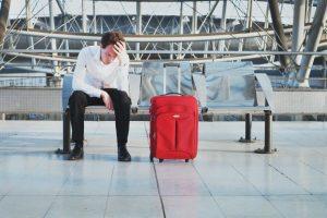 Cancelamento de voo implica danos morais e justifica indenização