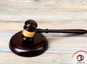 Beneficiária de justiça gratuita deve arcar com os honorários do lado vencedor da ação