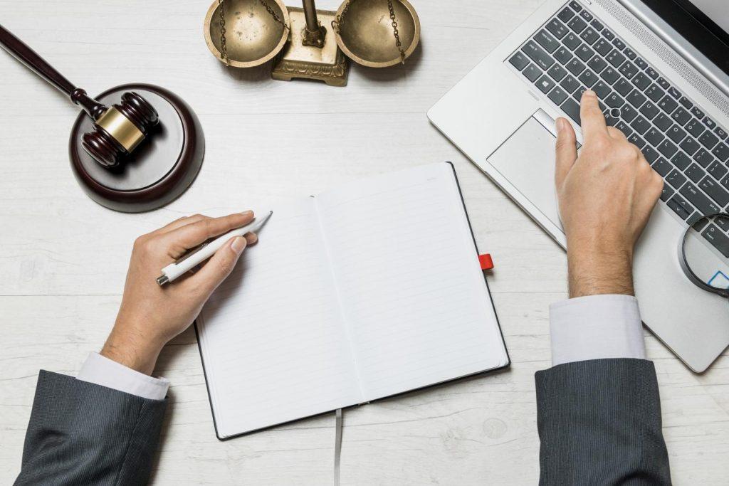 Conquiste novos clientes para seu escritório seguindo as regras da OAB