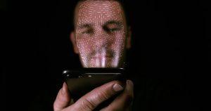 """Google oferece US$ 5 para pessoas na rua para """"comprar"""" suas imagens faciais"""
