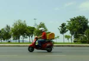 Adicional de risco de motoboy pode cair com nova reforma trabalhista
