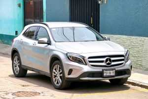 Homem compra Mercedes por R$ 47 mil em leilão, mas responsáveis desaparecem