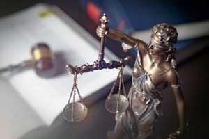 Justiça emite decisão confusa sobre demissão por justa causa e saque de FGTS