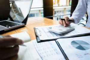 Corretora não precisa notificar investidor sobre venda de ativos para minimizar prejuízos em mercado a termo
