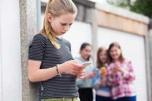 Mães de alunas que praticaram bullying indenizarão vítima