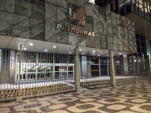 Petrobras cancela contrato com escritório do presidente da OAB | Juristas