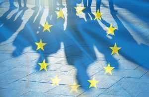 Europa exigirá permissão de brasileiros a partir de 2021