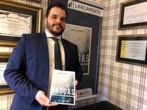 Professor lança livro sobre modelo proibicionista de repressão às drogas e rumos alternativos | Juristas