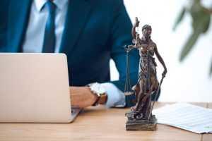 Executivo precisa justificar a não concessão de revisões gerais anuais nos vencimentos | Juristas