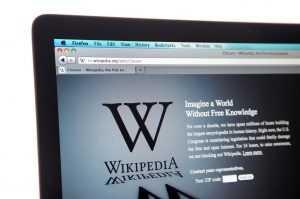 Wikipédia é ameaçada de processo por artigo sobre Ministro da Educação