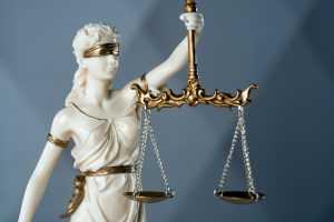STF mantém decisão sobre submissão de arquiteta acusada de mandar matar os pais em Brasília ao Tribunal do Júri