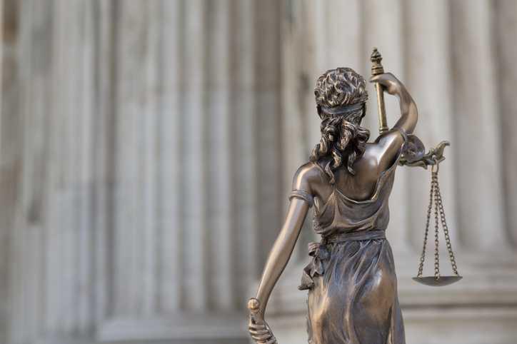 Estátua da Justiça - Indenização por Danos Morais