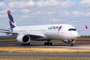 Latam Airlines Brasil - Companhia Aérea