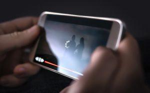 Justiça condena homem por divulgar vídeo de jovem em prestação serviços comunitários sem autorização | Juristas