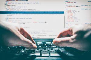 Atendimento às pessoas sem acesso à internet deve ser garantido pelos tribunais | Juristas
